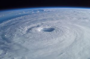 Hurricane -tropical-cyclone-63124__480